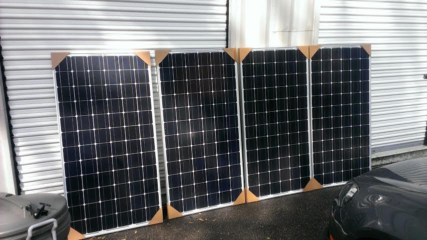 4 x 195W mono crystalline solar panels (24V)